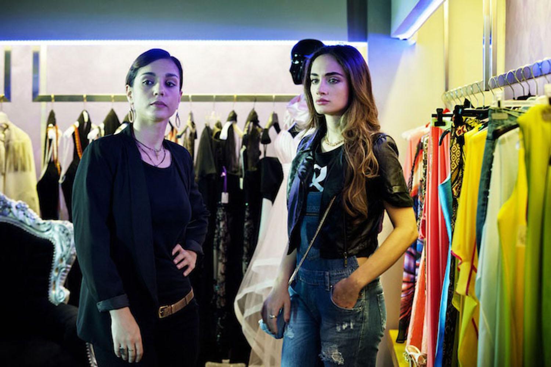 Denise Capezza e Cristiana Dell'Anna in Gomorra La serie Gomorrah The series Marinella e Patrizia, scena con Scianel